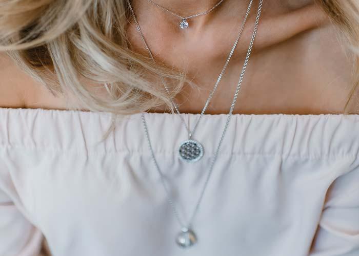Origin of the Engelsrufer necklaces